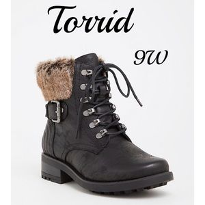 Torrid black faux fur hiking boot 9W